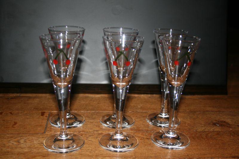 Peinture sur verre cartonnage and co for Enlever peinture sur verre